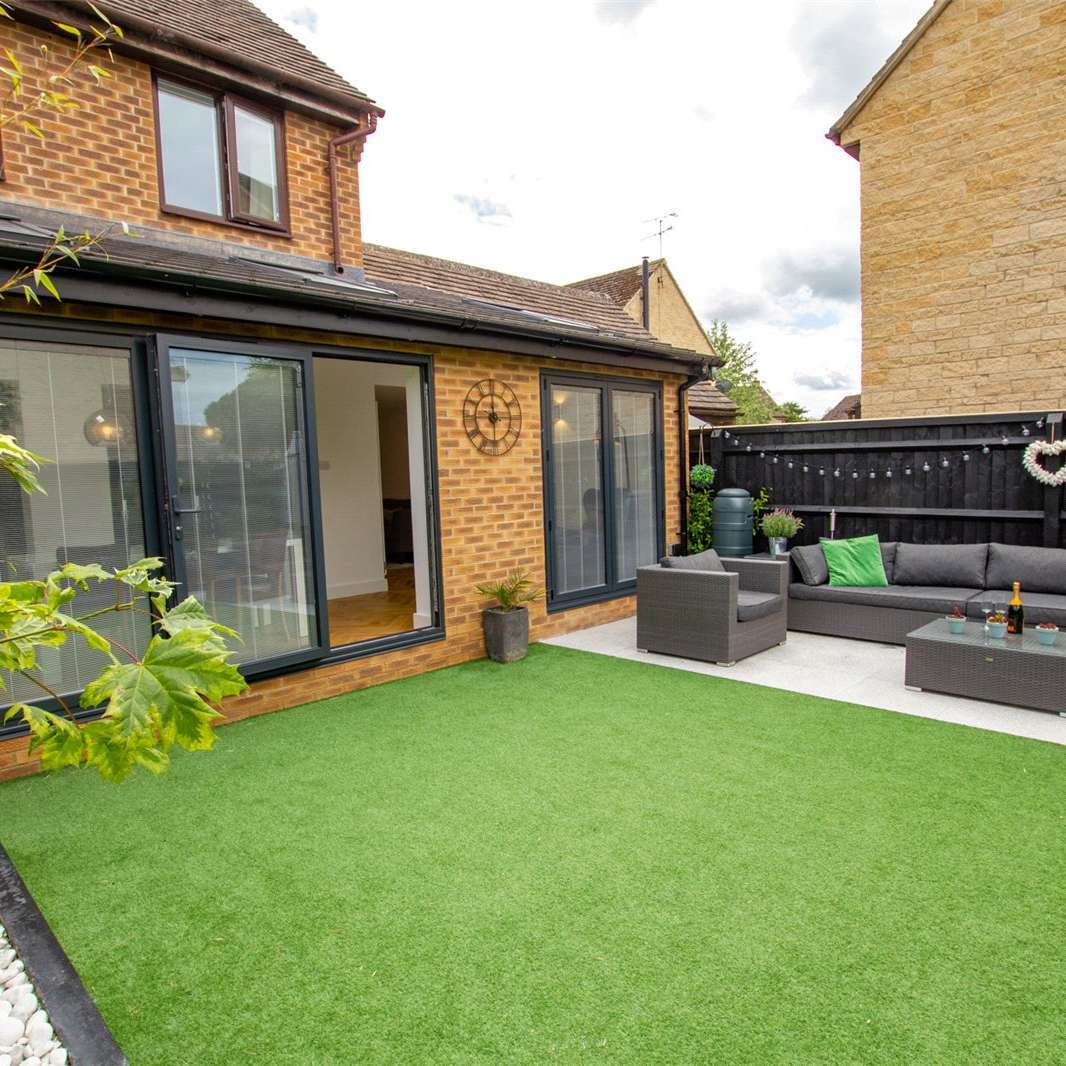 Realistic Artificial Grass - 2 Meter Wide 25mm Pile